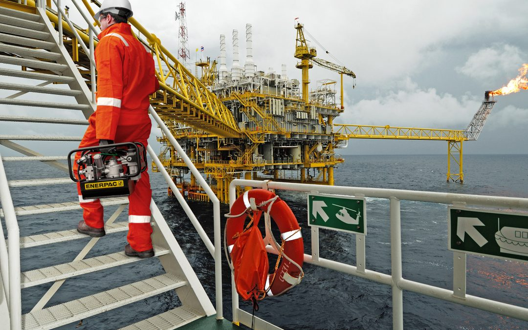 The Pump's the Thing: For Marine and Offshore Bolting