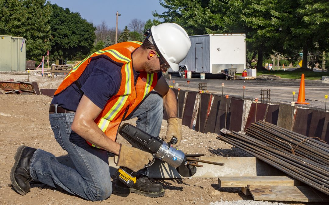 Enerpac Extends Cutters Line with Cordless Bar Cutter